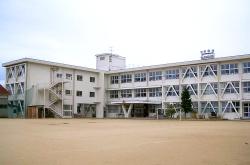 小松市立向本折小学校